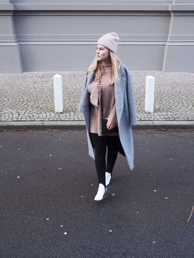 OOTD, outfit of the day, stirrup trousers, trend, women fashion, fashion, winter, street style, fashion blogger, Style by Jules